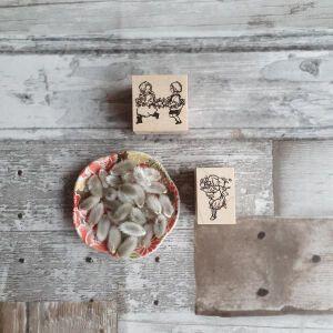 Krimgen Stamps – 106 Bouquet & #109 Flower Train