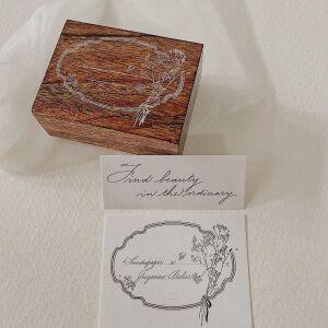 Jieyanow Atelier – Flowerframe Stamp – 'Find Beauty In The Ordinary'